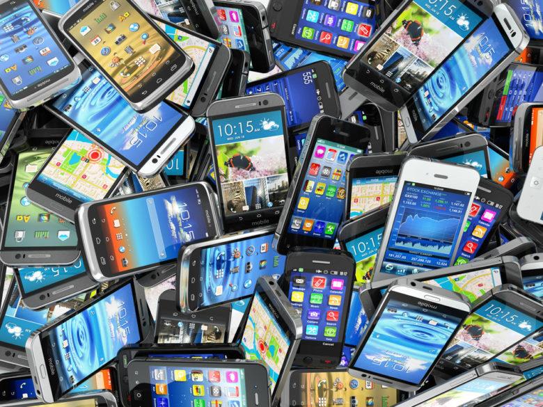 Smartphones_Brasil_já_tem_mais_de_280_milhões_de_linhas_móveis.jpg.jpeg